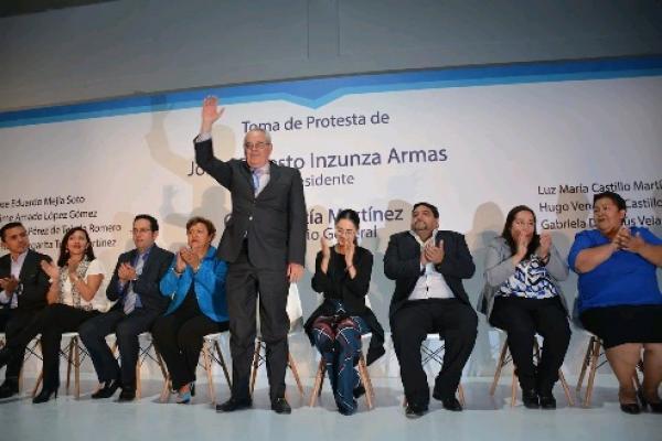 Inzunza Armas rinde protesta como presidente del PAN en Edomex