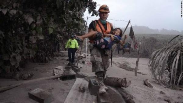 México continúa apoyo a victimas del Volcán de Fuego.