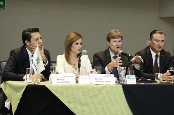 El titular de SECTUR se reúne con la cúpula industrial del país